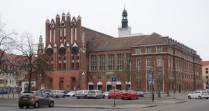 Frankfurt/Oder, Rathaus und Markt von Süden