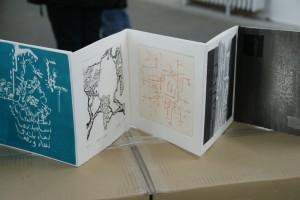 Ausschnitt aus den 303 Arbeiten-Seiten des Buches, Berlin, Kunstfabrik hb55