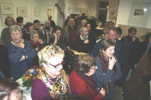 Eröffnungsgäste beim Drucken,   Foto: B. Lau