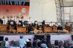 Salukat - Gamelan-Orchester aus Bali auf Marktplatz-Bühne, Rudolstadt, 07.07.2018