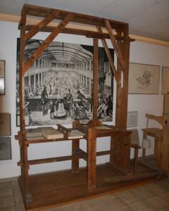 Senefelders Lithostein-Stangenpresse, Fossilien und Steindruck-Museum Gunzenhausen