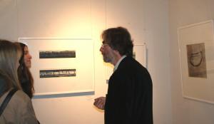 E. Hartwig im Gespräch mit Besuchern,   Foto: B. Lau