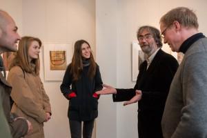 E. Hartwig im Gespräch mit Gästen, Foto: Fotograf der Manege, 28.10.2015