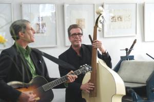 Heinz Fuchs, Gitarre, und Andy Sire, Doublebass,   Foto: B. Lau